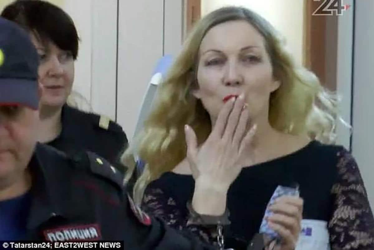 Donna russa taglia il pene al marito perchè tornato a casa ubriaco e voglioso disesso